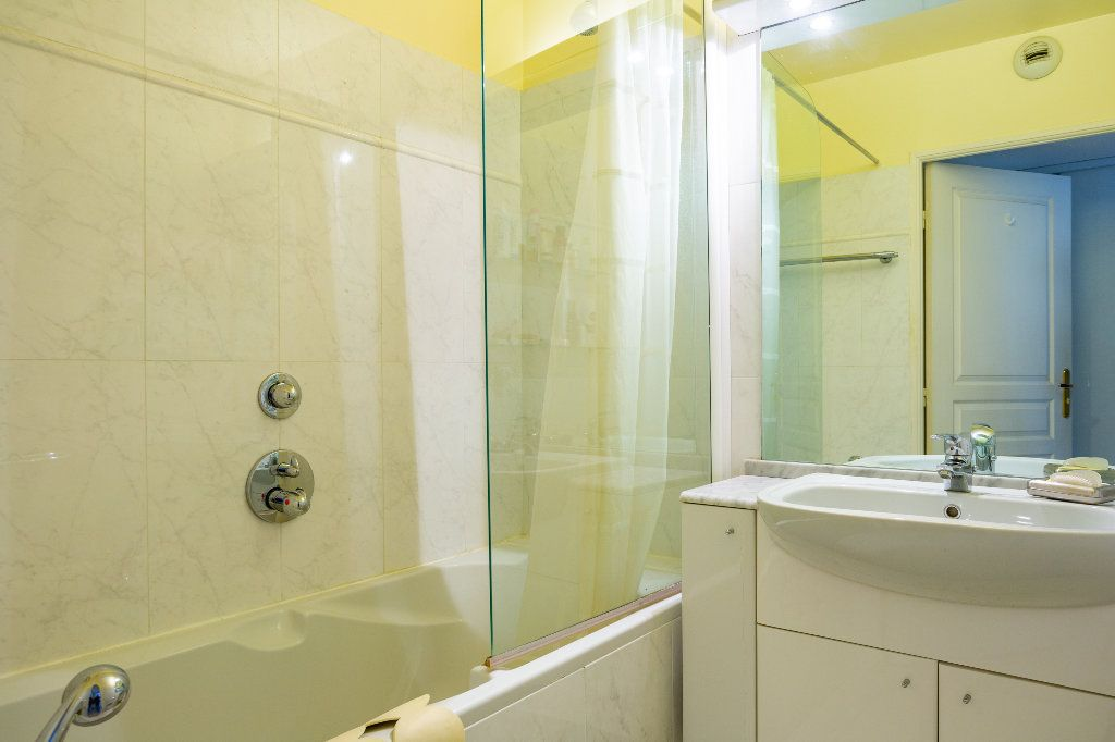 Appartement à vendre 4 100m2 à Mandelieu-la-Napoule vignette-16