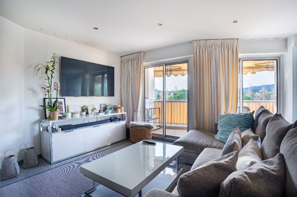 Appartement à vendre 2 61.5m2 à Mandelieu-la-Napoule vignette-2