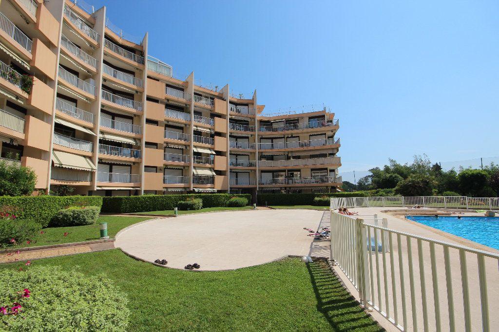 Appartement à vendre 2 61.5m2 à Mandelieu-la-Napoule vignette-12