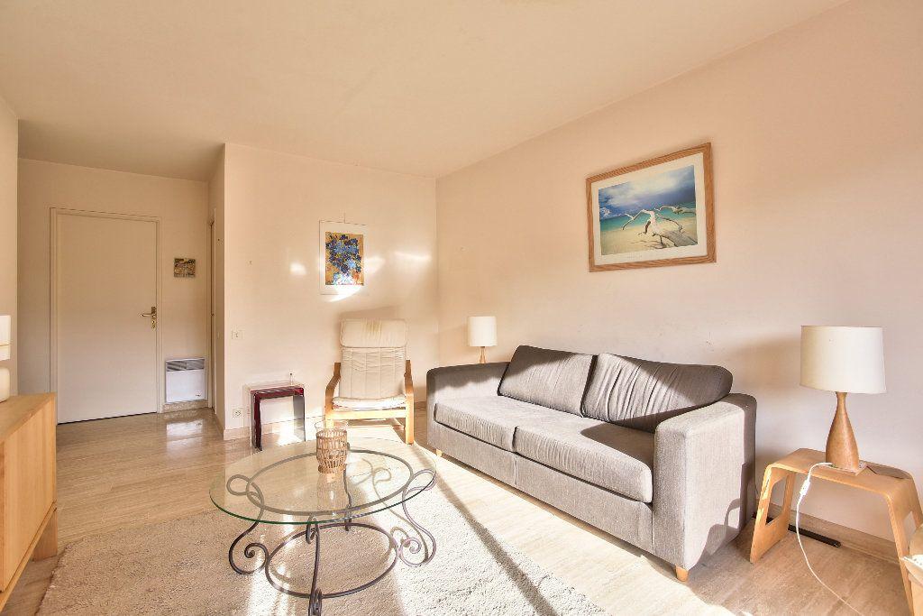 Appartement à vendre 3 56.1m2 à Mandelieu-la-Napoule vignette-4
