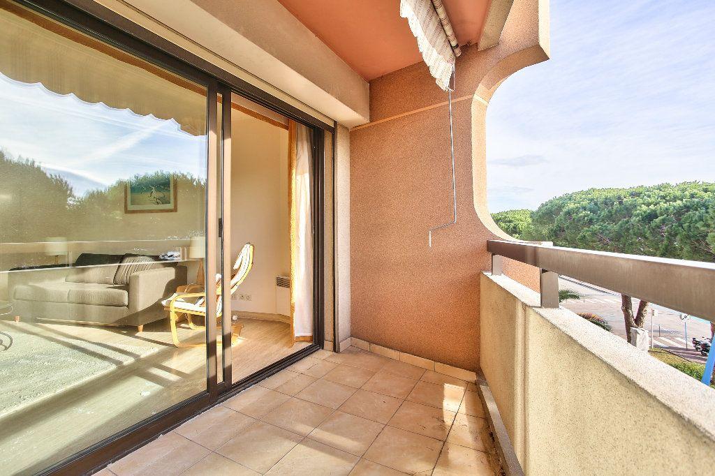Appartement à vendre 3 56.1m2 à Mandelieu-la-Napoule vignette-5