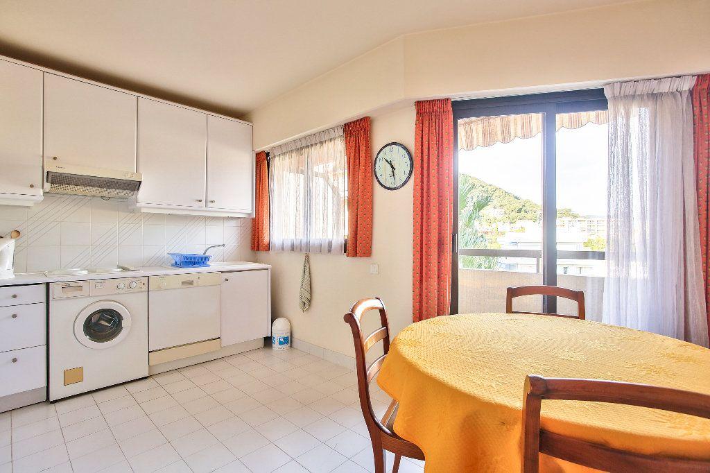 Appartement à vendre 3 56.1m2 à Mandelieu-la-Napoule vignette-6