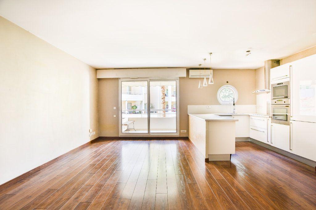 Appartement à louer 2 49.1m2 à Mandelieu-la-Napoule vignette-1
