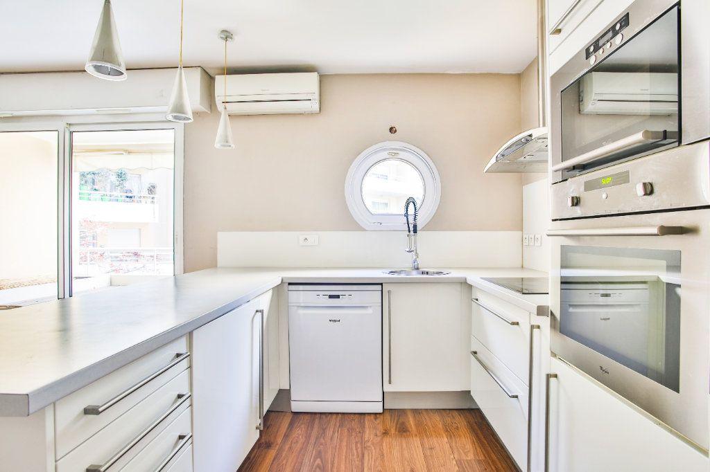 Appartement à louer 2 49.1m2 à Mandelieu-la-Napoule vignette-4