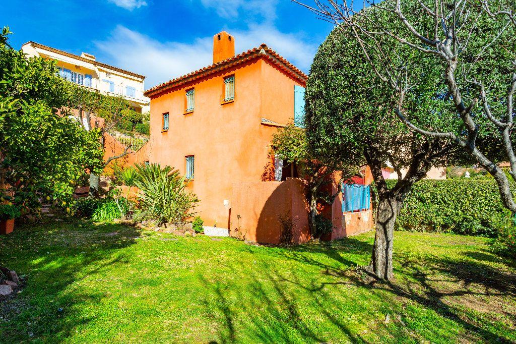 Maison à vendre 3 51.06m2 à Théoule-sur-Mer vignette-3
