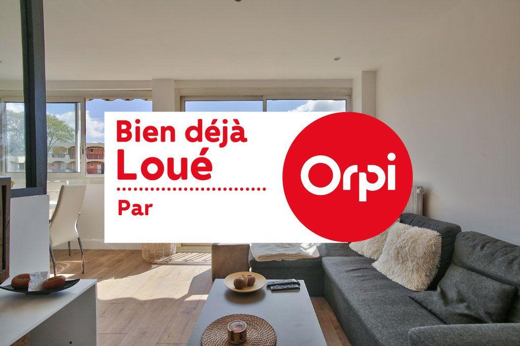 Appartement à louer 2 41.45m2 à Mandelieu-la-Napoule vignette-1