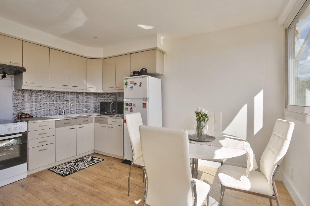Appartement à louer 2 41.45m2 à Mandelieu-la-Napoule vignette-2