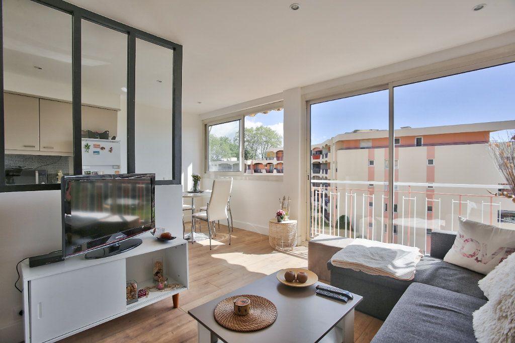 Appartement à louer 2 41.45m2 à Mandelieu-la-Napoule vignette-5