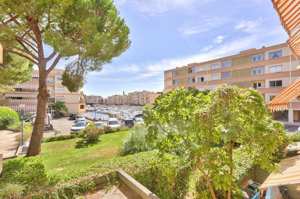 Appartement à vendre 3 45.5m2 à Mandelieu-la-Napoule vignette-2