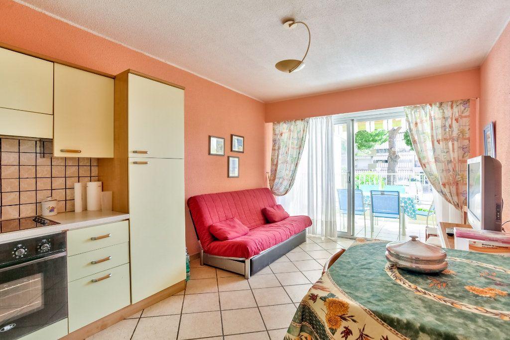 Appartement à vendre 3 45.5m2 à Mandelieu-la-Napoule vignette-5