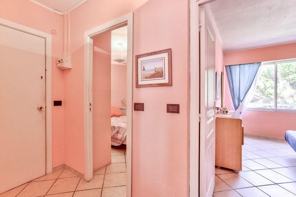 Appartement à vendre 3 45.5m2 à Mandelieu-la-Napoule vignette-12