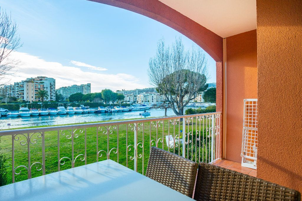 Appartement à vendre 2 39.75m2 à Mandelieu-la-Napoule vignette-2