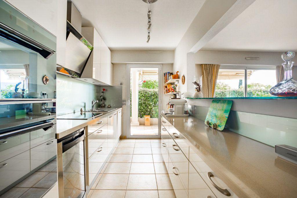 Appartement à vendre 4 100.75m2 à Mandelieu-la-Napoule vignette-7