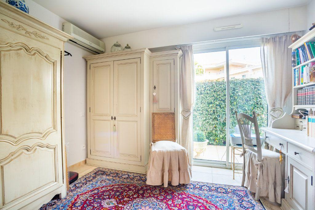 Appartement à vendre 4 100.75m2 à Mandelieu-la-Napoule vignette-9