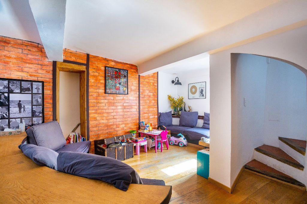 Appartement à vendre 4 122.51m2 à Seillans vignette-4