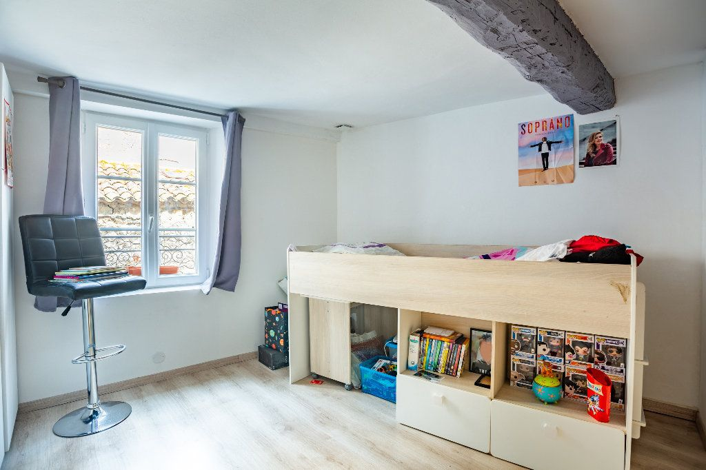 Appartement à vendre 4 122.51m2 à Seillans vignette-8