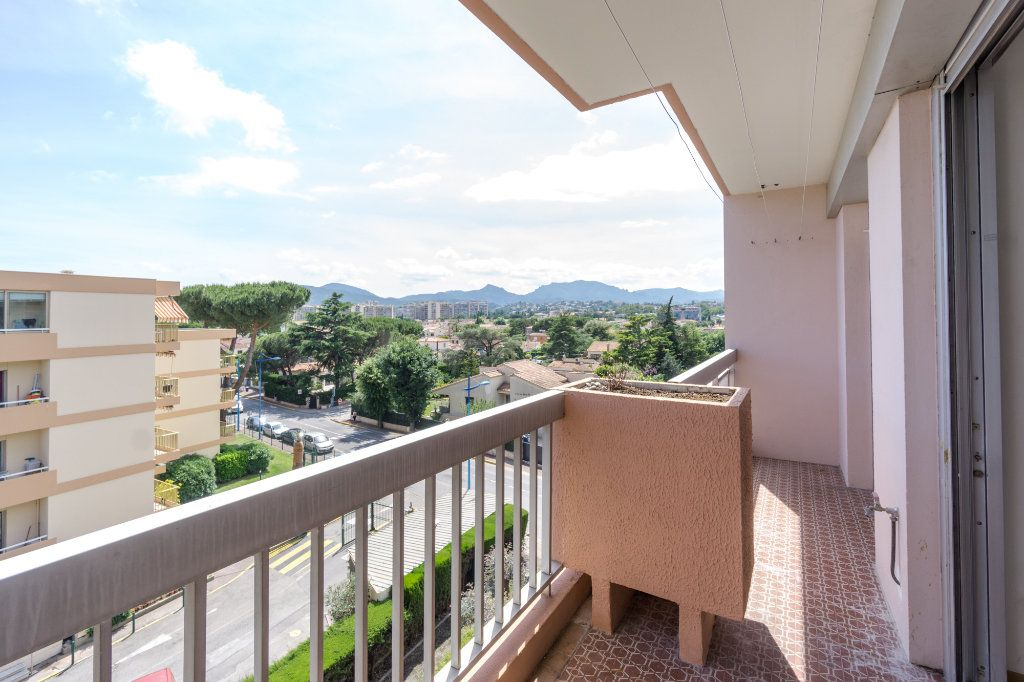 Appartement à vendre 2 48.7m2 à Mandelieu-la-Napoule vignette-3