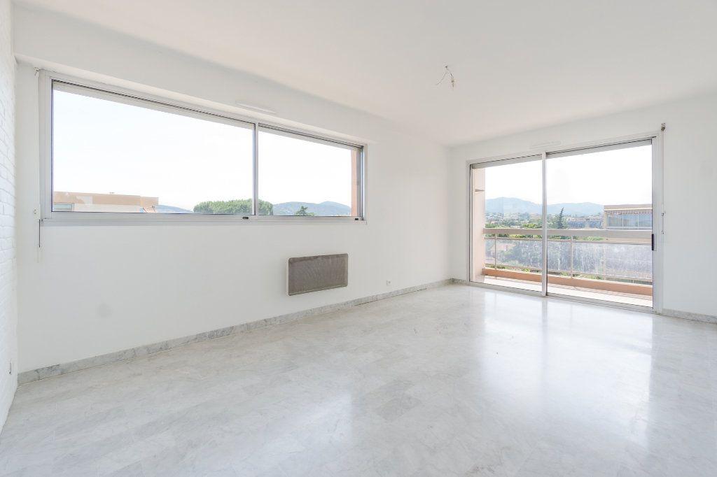Appartement à vendre 2 48.7m2 à Mandelieu-la-Napoule vignette-4