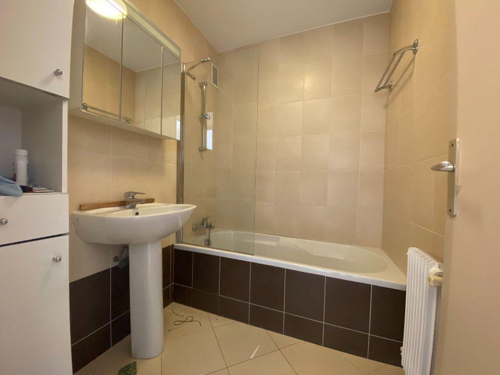 Appartement à louer 3 67.24m2 à Mandelieu-la-Napoule vignette-5