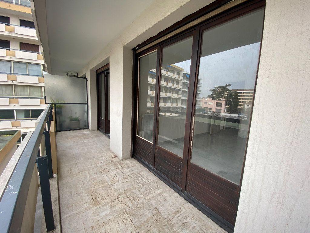 Appartement à louer 3 67.24m2 à Mandelieu-la-Napoule vignette-6