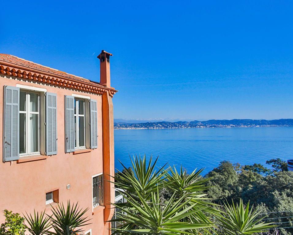 Maison à vendre 7 180m2 à Théoule-sur-Mer vignette-2