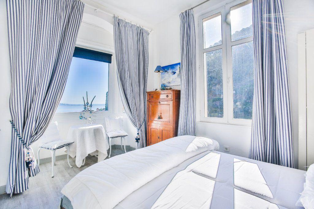 Maison à vendre 7 180m2 à Théoule-sur-Mer vignette-8
