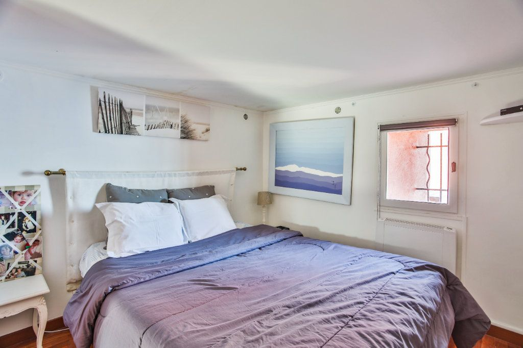 Maison à vendre 7 180m2 à Théoule-sur-Mer vignette-10