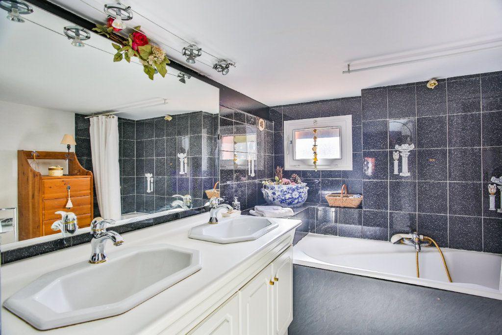 Maison à vendre 7 180m2 à Théoule-sur-Mer vignette-12