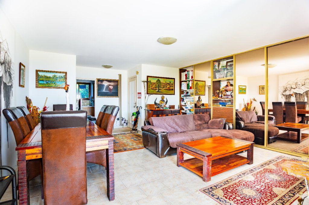 Appartement à vendre 3 82.25m2 à Mandelieu-la-Napoule vignette-6