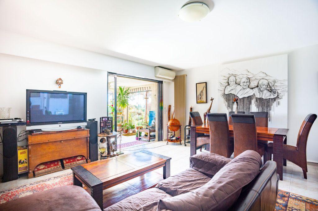 Appartement à vendre 3 82.25m2 à Mandelieu-la-Napoule vignette-7