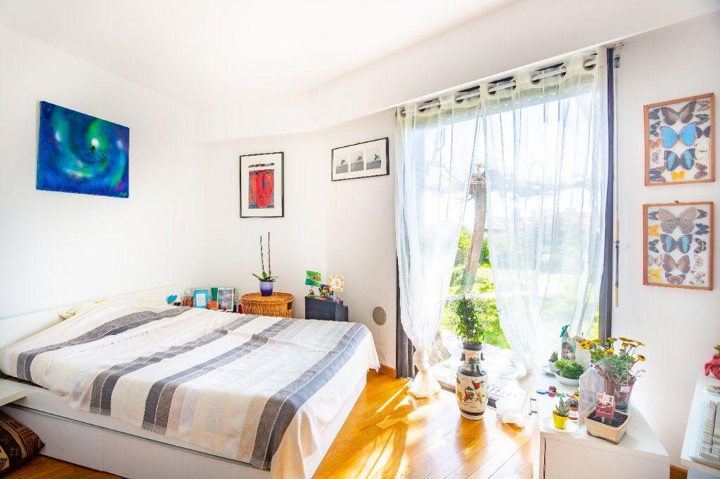 Appartement à vendre 3 82.25m2 à Mandelieu-la-Napoule vignette-8