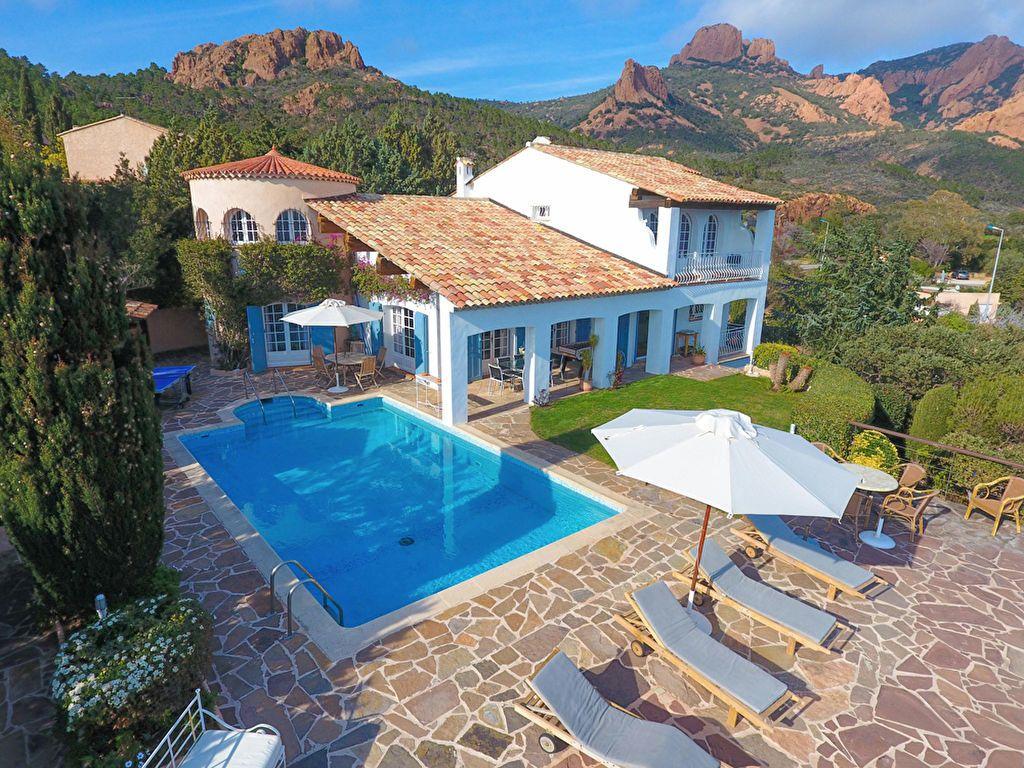 Maison à vendre 6 180m2 à Saint-Raphaël vignette-2