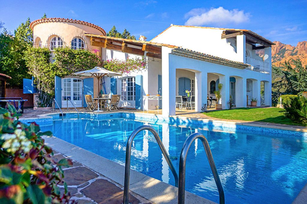 Maison à vendre 6 180m2 à Saint-Raphaël vignette-6