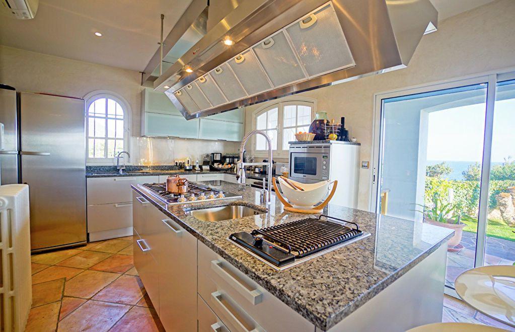 Maison à vendre 6 180m2 à Saint-Raphaël vignette-9