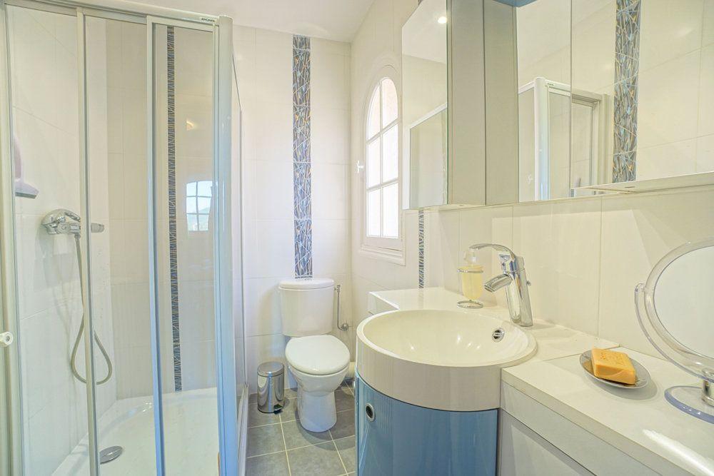 Maison à vendre 6 180m2 à Saint-Raphaël vignette-15