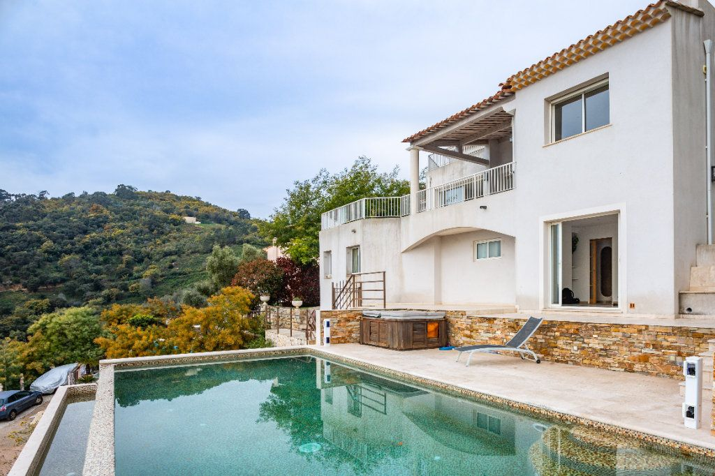 Maison à vendre 9 280m2 à Mandelieu-la-Napoule vignette-2
