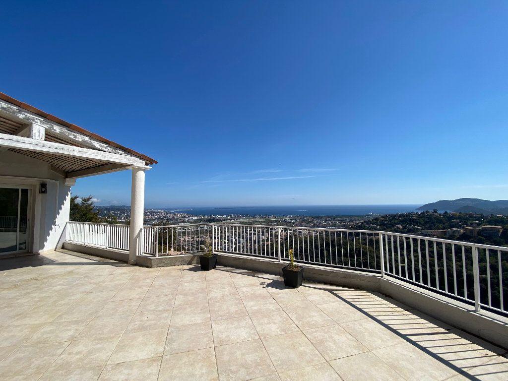 Maison à vendre 9 280m2 à Mandelieu-la-Napoule vignette-4