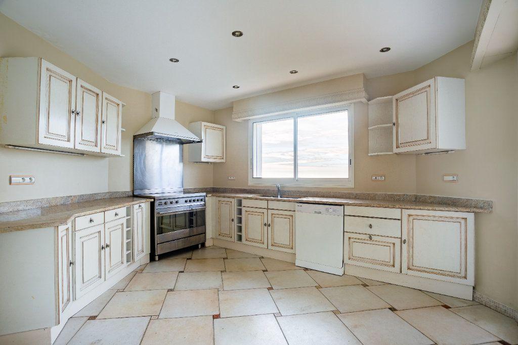 Maison à vendre 9 280m2 à Mandelieu-la-Napoule vignette-9