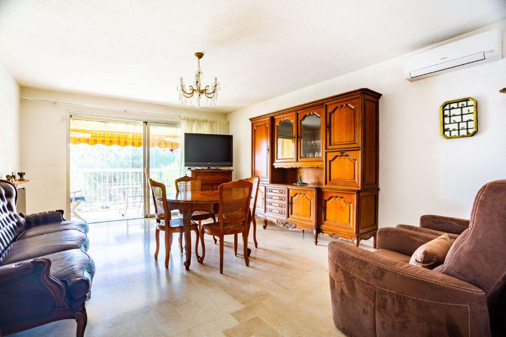 Appartement à vendre 3 69m2 à Mandelieu-la-Napoule vignette-1