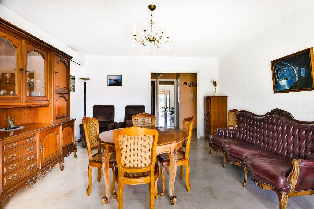 Appartement à vendre 3 69m2 à Mandelieu-la-Napoule vignette-4