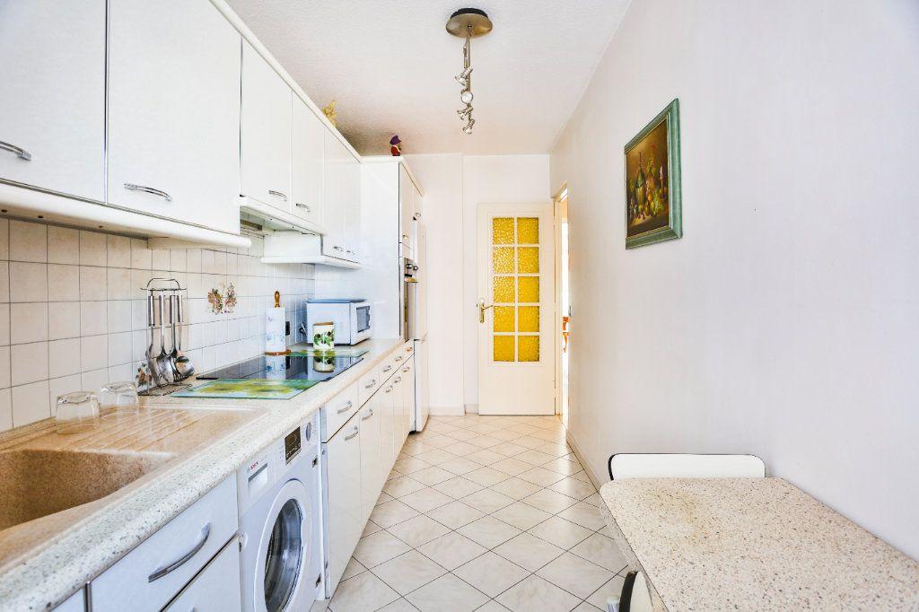 Appartement à vendre 3 69m2 à Mandelieu-la-Napoule vignette-6