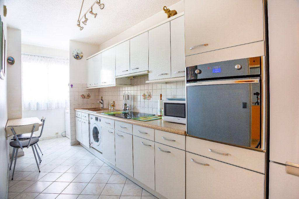 Appartement à vendre 3 69m2 à Mandelieu-la-Napoule vignette-7