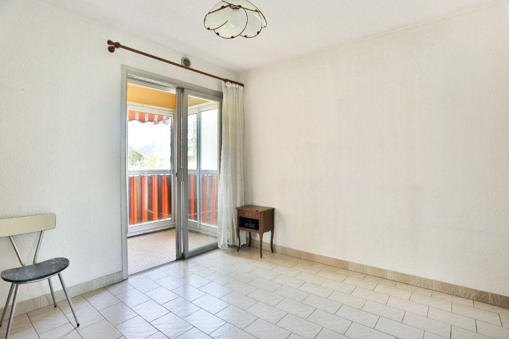 Appartement à vendre 3 69m2 à Mandelieu-la-Napoule vignette-8