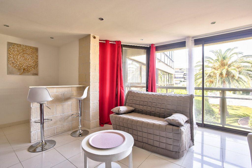 Appartement à vendre 2 41.19m2 à Mandelieu-la-Napoule vignette-3