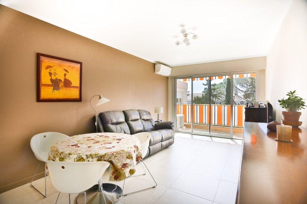 Appartement à vendre 3 65.5m2 à Mandelieu-la-Napoule vignette-3