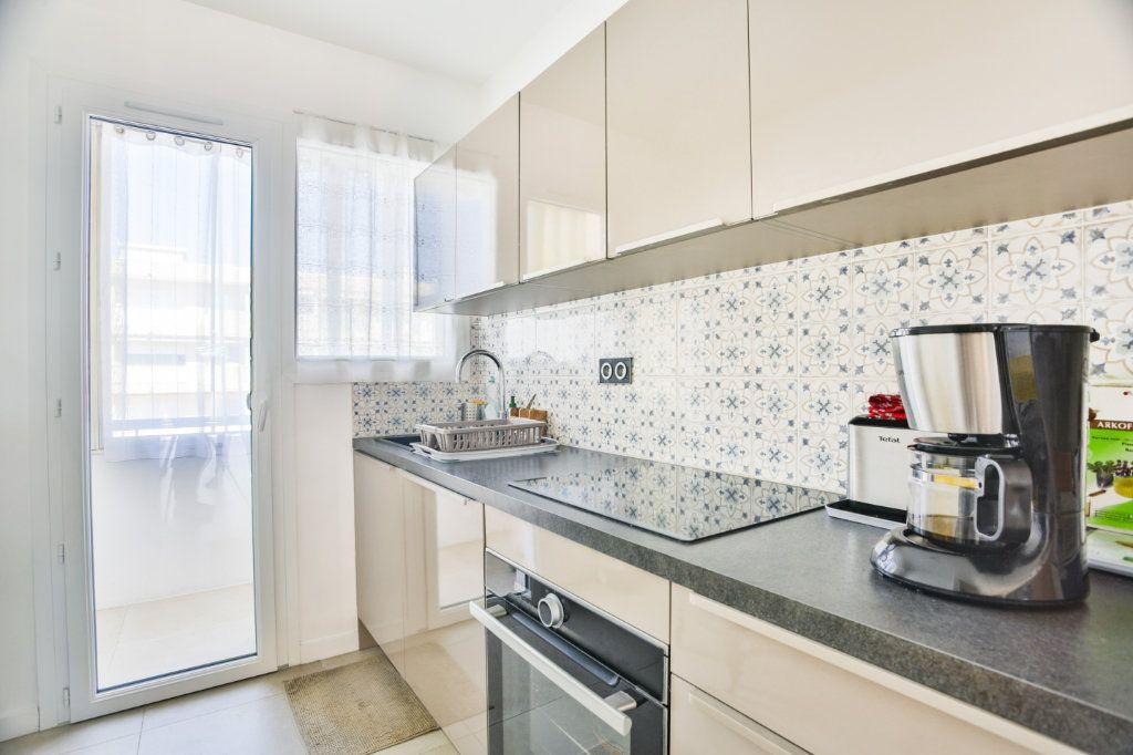 Appartement à vendre 3 65.5m2 à Mandelieu-la-Napoule vignette-5