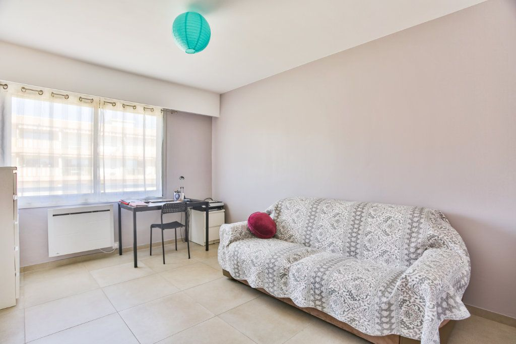 Appartement à vendre 3 65.5m2 à Mandelieu-la-Napoule vignette-9