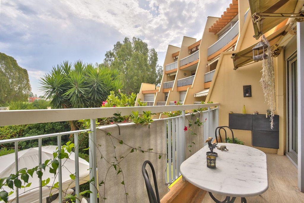 Appartement à vendre 2 43.65m2 à Mandelieu-la-Napoule vignette-2