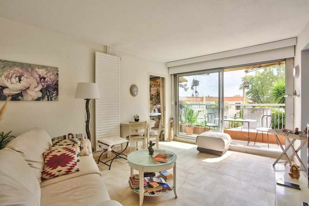 Appartement à vendre 2 43.65m2 à Mandelieu-la-Napoule vignette-6