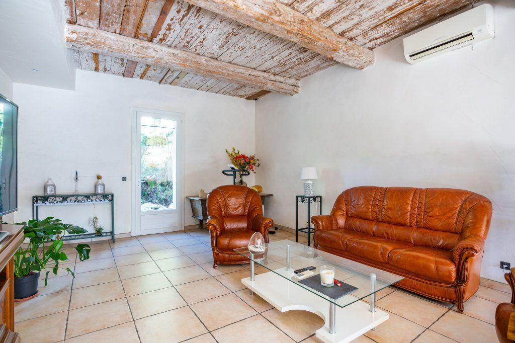 Maison à vendre 7 236m2 à Fréjus vignette-2